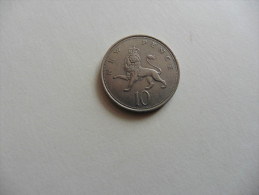 Grande Bretagne  1968   10 New Pence :Lion ,Elisabeth II - Grande-Bretagne