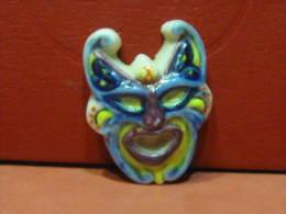 f�ve masque diable  - s�rie les masques v�nitiens ann�e 1996 -  f�ves - rare