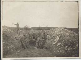 Photo Guerre 14-18 -  Soldats Français Dans Les Tranchées - Les Corvées - War, Military