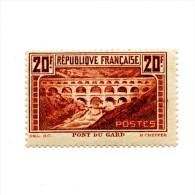 FRANCE - TRES BEL EXEMPLAIRE DU N°262A - PONT DU GARD - NEUF* GOMME D'ORIGINE - COTE 350 € - Francia