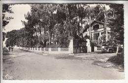 """QUIMIAC 44 - Avenue De La Plage - Villa """" La Chatière """" ( Auto ) CPSM Dentelée Noir Blanc PF 1968 - Loire Atlantique - Other Municipalities"""