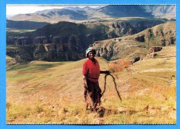 AVR244, Mosotho Woman,rope Making, Near Ha Sekake, Lesotho, GF, Non  Circulée - Lesotho