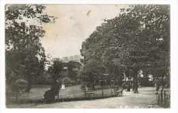 CPA 75 PARIS SQUARE DES BATIGNOLLES - Parcs, Jardins