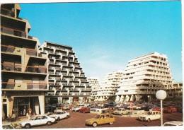 La Grande-Motte: CITROËN AMI BREAK,PEUGEOT 504 & 404, RENAULT 6, FORD ESCORT - Place Des Cosmonautes - (Herault, France) - PKW