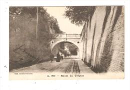 CPA :76 -  Seine Maritime :EU : Route Du Tréport - Pont - Petit Tunnel - Animation - Attelage - Rails - Eu