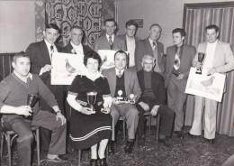 ROMERSHOVEN-HOESELT-DUIVENSPORT-COLOMBOPHILIE-MAATSCHAPPIJ-DE VREDE-KAMPIOENENHULDE-1978-ORIGINELE-PERSFOTO-ZIE 2 SCANS - Sports