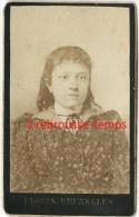 Mini CDV Vers 1890-portrait D'une Jeune Fille- Format 3,5 X 5,5cm-photographie Florin-45 Montagne De La Cour à Bruxelles - Photos