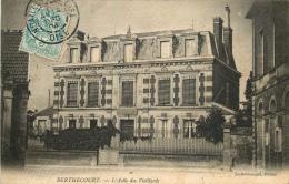 BERTHECOURT  Asile Des Vieillards - Francia