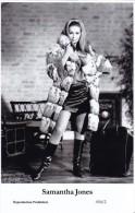SAMANTHA JONES - Film Star Pin Up - Publisher Swiftsure Postcards 2000 - Artiesten