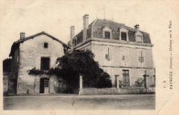 Payroux  Vienne  Chateau Sur La Place - Frankrijk