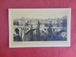 Luxembourg   Point Adolphe  Viaduc  -ref 1746 - Postkaarten