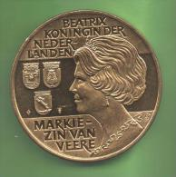 HOLANDA  - MEDALLA 37 Mm MARKIEZIN VAN - BEATRIX - Paesi Bassi