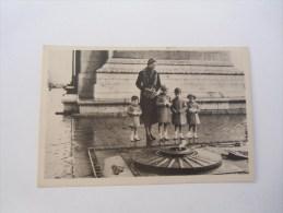 S A R Madame La Contesse De Paris Et Les Enfants De France Au Tombeau Du Soldat Incinnu - Cartes Postales