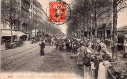 Cpa  75  Paris 18 Eme , L´avenue De Saint-ouen..belle Animation Sur Le Marché - Arrondissement: 18