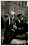 29 - PLOUGASTEL-DAOULAS - Costumes Bretons - - Plougastel-Daoulas