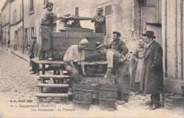 ARGENTEUIL (95) LES VENDANGES - LE PRESSOIR - Argenteuil