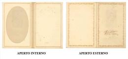 V – PORTAFOTO ORIGINALE PROBABILMENTE ANNI 30 - 60 DIMENSIONI CHIUSO CM 10,2x15,9  DIMENSIONI APERTO CM 20,4x15,9 - Materiale & Accessori