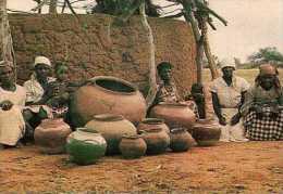 BOTSWANA Ngwaketse Potters Lotlhakane, Poteries - Botswana