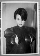 FEMME NUE ERIC KROLL BEAUTY PARADE AMSTERDAM ALMA IN BLACK RUBBER BODY BAG BONDAGE BENEDIKT TASCHEN  GRD FORMAT SCAN R/V - Fine Nudes (adults < 1960)