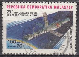 Madagascar , 1982 - 100fr Soyuz-Salyut - Nr.638 Usato° - Madagascar (1960-...)