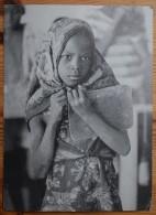 Cameroun - Quatre Filles Sur Cent Vont à L'école - Comité Français Contre La Faim - Animée - (n°3887) - Cameroun