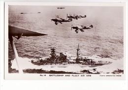 Battleship And Fleet Air Arm / Bateau De Guerre Et Avion - Guerra