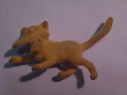 1 FIGURINE FIGURE DOLL PUPPET DUMMY TOY IMAGE POUPÉE - MONOCHROME PORTUGAL ? CAT FISH - Cats