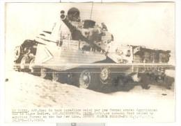 """Photo Ancienne  """"Un Tank Israélien Saisi Par Les Forces Armées égyptiennes Sur La Ligne Bar-Lev"""" - 1973 - Guerre, Militaire"""