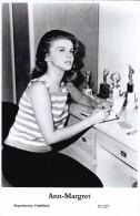 ANN MARGRET - Film Star Pin Up - Publisher Swiftsure Postcards 2000 - Artiesten