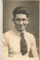 CARTE PHOTO - Indiqué Au Dos CADOT ROGER - M. Stammlager II B - Deutchland Envoyée à RUMIGNY (Ardennes) - Fotografie