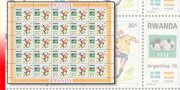 Rwanda 0882**  30c  Coupe du Monde de football Argentine - Feuille  / Sheet de 25 MNH SUEDE ESPAGNE