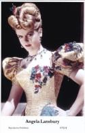 ANGELA LANSBURY - Film Star Pin Up - Publisher Swiftsure Postcards 2000 - Artiesten