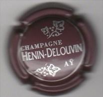 CAPSULE DE CHAMPAGNE HENIN DELOUVIN   N° 8 MARRON ET ARGENT  COTE 1.50 EURO - Sonstige