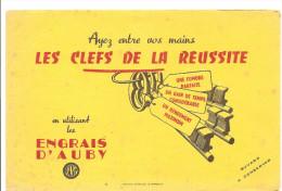 Buvard D'AUBY Ayez Entre Vos Mains Les Clefs De La Réussite En Utilisant Les Engrais D'AUBY - Agriculture