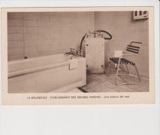 Carte Postale - La Barboule - Etablissement Des Grands Thermes - Une Cabine De Luxe - La Bourboule