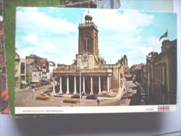Engeland England  Northhampton Church And Cars - Northamptonshire