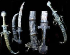 Très Ancien KOUMIA Poignard Marocain En Argent Bronzee / Outstanding Bronze And Silver Old Morocco Knife - Oriental Art