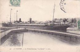 """Cp , 76 , LE HAVRE , Le Transatlantique """"La Savoie"""" - Port"""