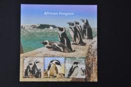 M1 101 ++ GAMBIA 2014 VOGELS BIRDS OISEAUX PENGUIN PINGUIN MNH ** - Gambia (1965-...)