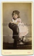 CDV, Mrs Williams (Wolverhampton), Magnifique Portrait Colorisé D'une Petite Fille - Photos