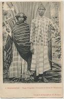 9 Madagascar Types Comorien Et Femme De Mevatanana Edit Bodemer - Comores