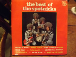 "2Albums 33t/12\"".  THE SPOTNICKS.  The Best Of.. - Vinyles"