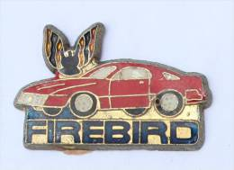 Pin´s PONTIAC FIREBIRD - La Voiture Et Le Logo - E020 - Badges