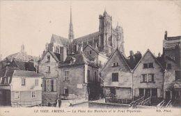 Cp , 80 , LE VIEIL AMIENS , La Place Des Huchers Et Le Pont Piperesse - Amiens