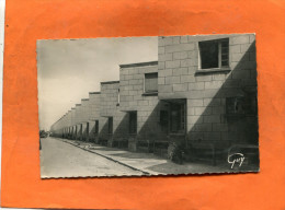 TRAPPES   /   1950   /   QUARTIER LOGEMENT DENTS DE SCIE    / CIRC OUI / EDITEUR - Trappes