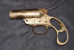 TRES BEAU LANCE FUSEE ANGLAIS DATE DE 1917 WW1 SOMME BATTLEFIELD