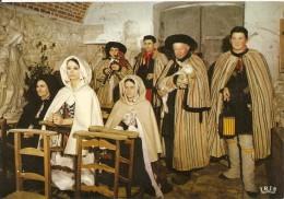 36. CPM. Indre. Folklore Du Berry, La Messe De Minuit Des Bergers (La Berthenoux) (costumes Et Traditions) - Non Classés