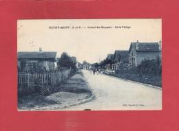 * CPA..dépt 77..MITRY  MORY :  Avenue Des Bosquets - Porte Village  : Voir Les 2 Scans - Mitry Mory
