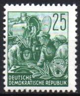 Mi. 372  Fünfjahrplan I  Offsetdruck  **/MNH - Unused Stamps