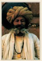 JODHPUR:  UNA  GUARDIA DELLA FORTEZZA     (NUOVA CON DESCRIZIONE DEL SITO SUL RETRO) - India